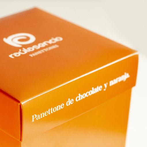 Panettone de chocolate y naranja caja 2 - Raúl Asencio Pastelerías